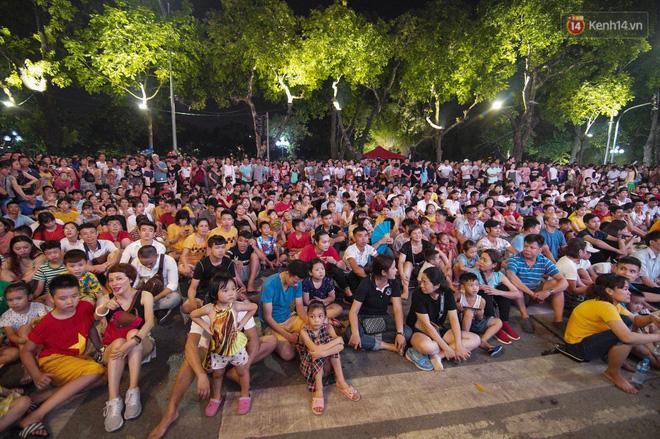 Công Phượng đá hỏng phạt đền, CĐV bật khóc khi Việt Nam bỏ lỡ chức vô địch Kings Cup trên đất Thái Lan-1
