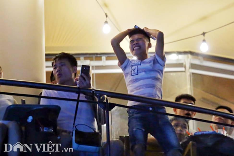 Ảnh: Hàng nghìn CĐV tiếc nuối vì tuyển Việt Nam không nâng cúp trên đất Thái-9