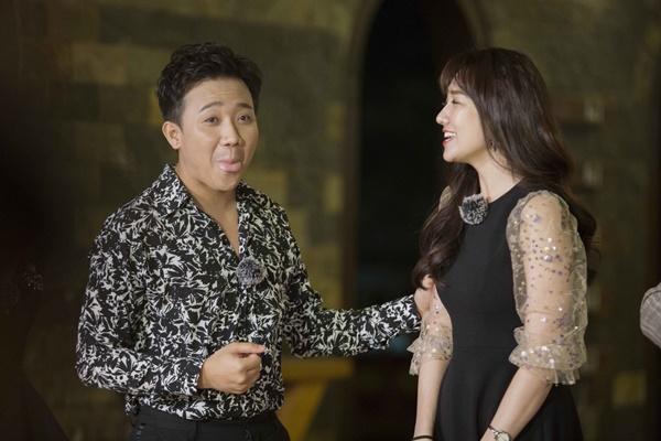 Trấn Thành ôm Lan Ngọc, Hari Won đá đểu cuộc chơi thì ngắn nhưng cuộc đời thì dài-1
