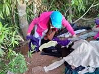 Bức xúc nhóm phụ nữ đi xin quần áo từ thiện rồi lựa đồ đẹp để bán, vứt bỏ đồ cũ lung tung trên đường