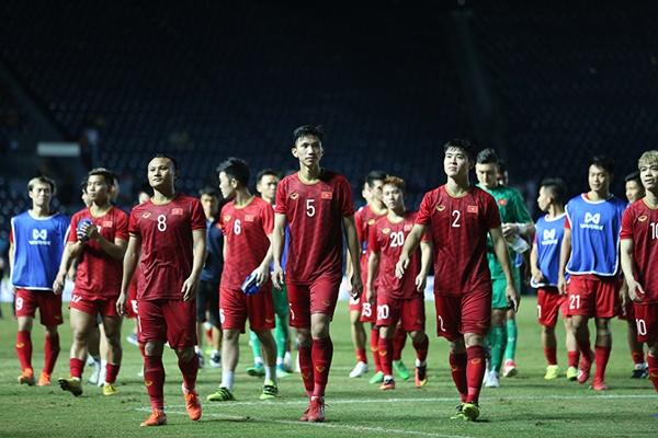 Tuyển Việt Nam thua chung kết: Đừng lỡ trách Công Phượng-2