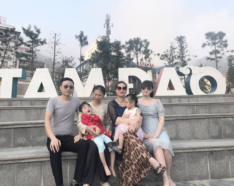 Hình ảnh mới nhất của em bé Lào Cai bị suy dinh dưỡng sau 3 năm về với mẹ nuôi khiến nhiều người ngạc nhiên-3