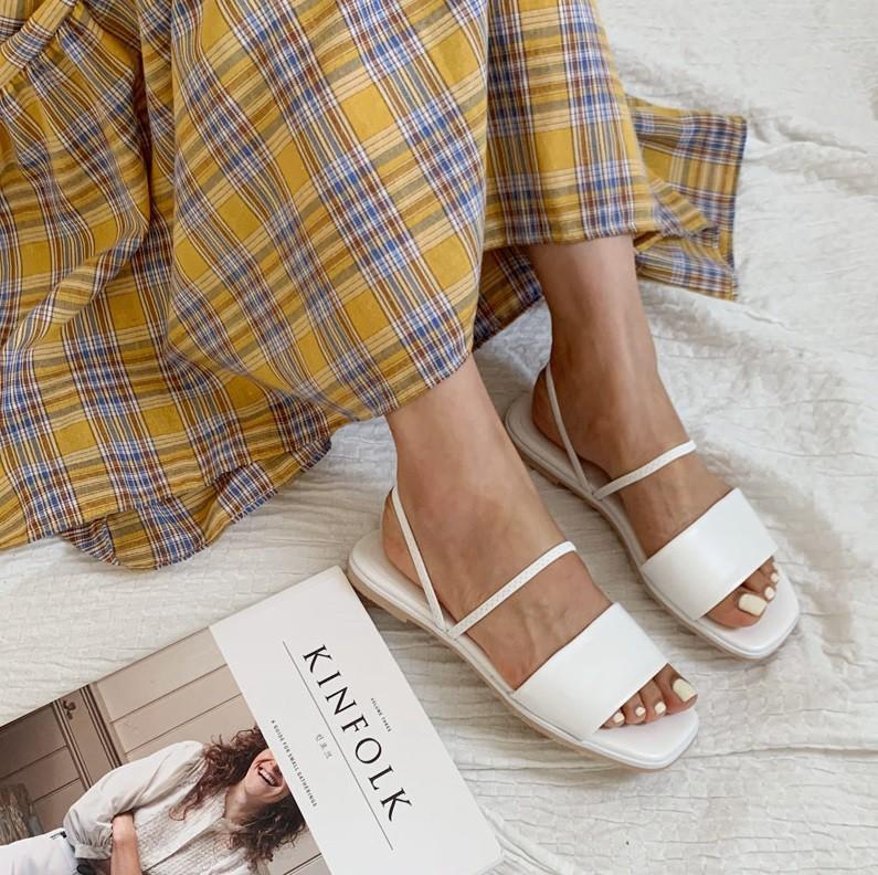 Tạm quên giày cao gót đi, dáng bạn vẫn sẽ cao ráo và phong cách thì đậm chất công sở với 4 kiểu giày bệt này-15