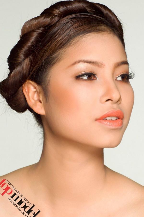 Phạm Hương bị diễn đàn sắc đẹp quốc tế tố đã trải qua nhiều cuộc phẫu thuật thẩm mỹ-3