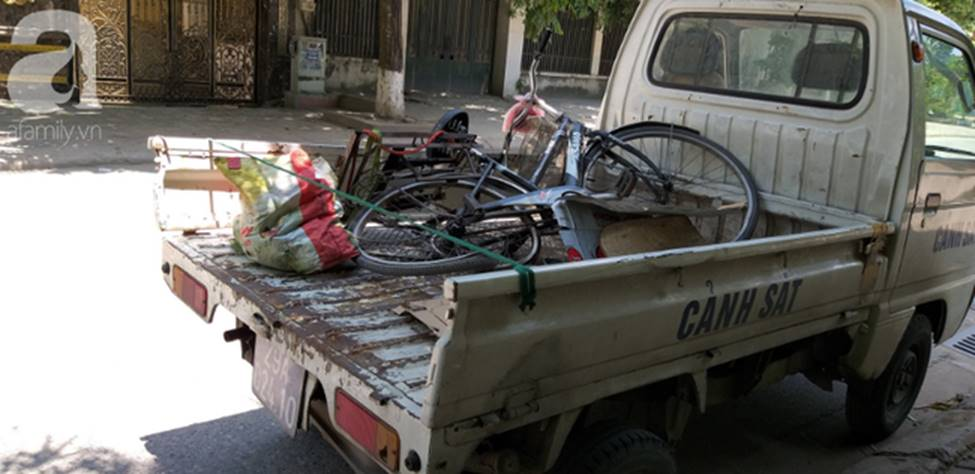 Hà Nội: Nữ tài xế xe điên đâm một người phụ nữ nguy kịch khi đang đi chợ-6
