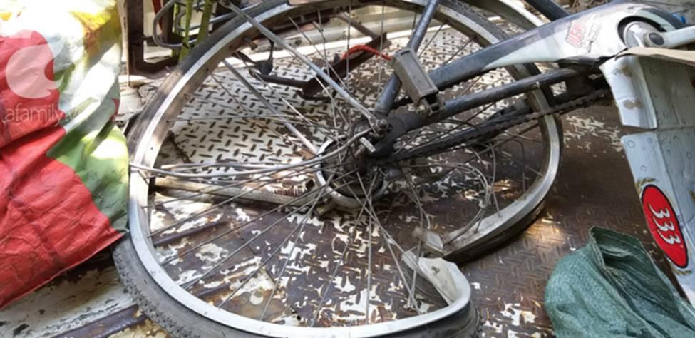 Hà Nội: Nữ tài xế xe điên đâm một người phụ nữ nguy kịch khi đang đi chợ-7