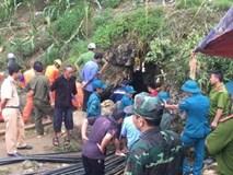 Sau 10 ngày bị mắc kẹt trong hang đá sâu 40 mét, thi thể người đàn ông đã được đưa ra bên ngoài