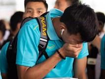 Văn Hậu liên tục ho khi trở về Việt Nam sau King's Cup