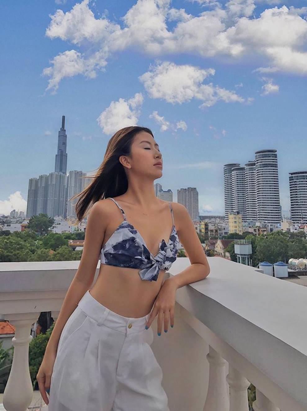 Quỳnh Anh Shyn mặc bikini, khoe thân hình nóng bỏng-1
