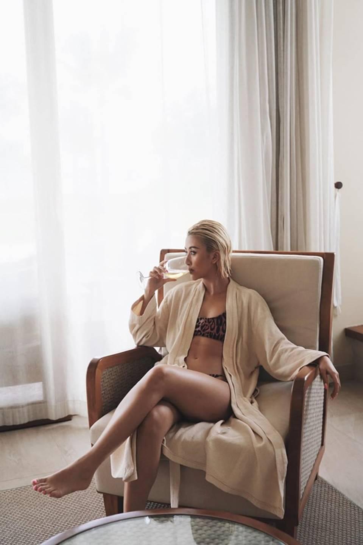 Quỳnh Anh Shyn mặc bikini, khoe thân hình nóng bỏng-11