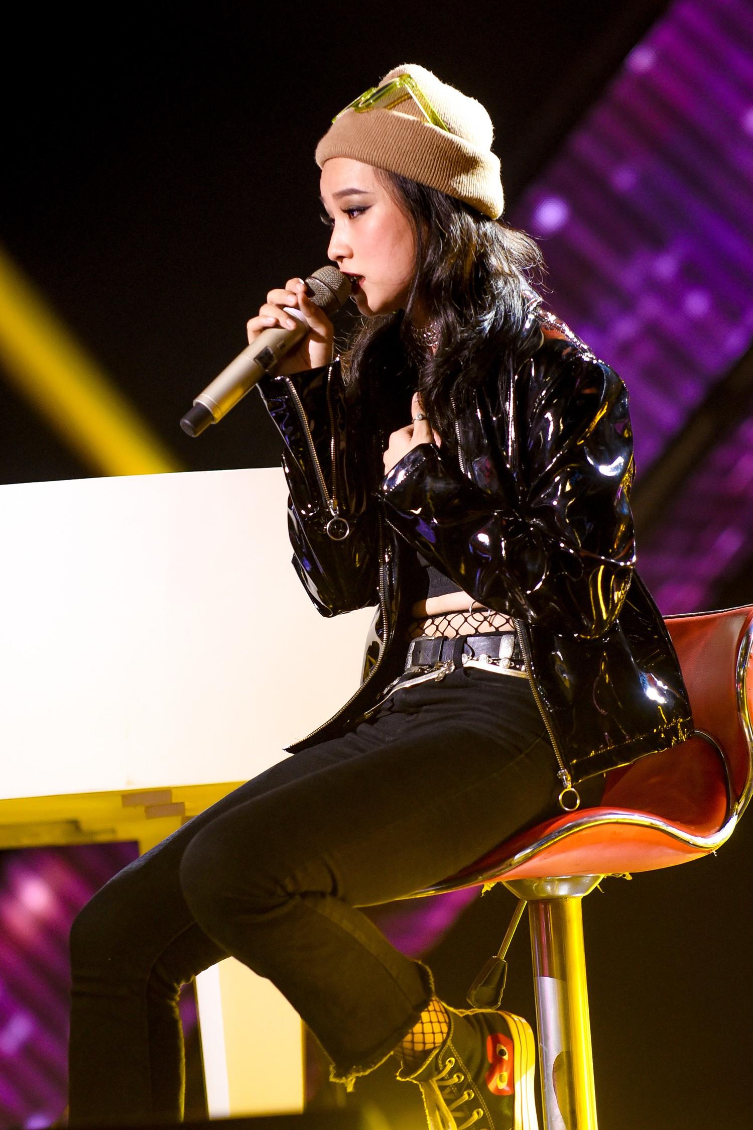 The Voice: Khán giả rối não với chiêu trò của Hồ Hoài Anh, Thanh Hà bật khóc trên ghế nóng-6