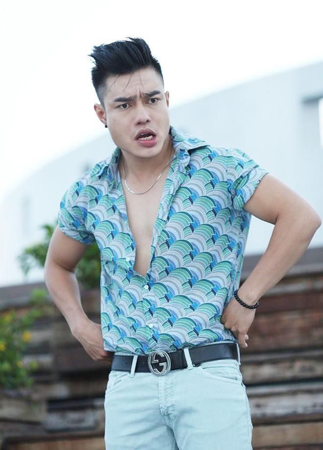 Diễn viên hài Lê Dương Bảo Lâm bị giang hồ gây sự, đánh khi đang phát cơm từ thiện, nhưng phản ứng của cư dân mạng lại khó hiểu thế này-1