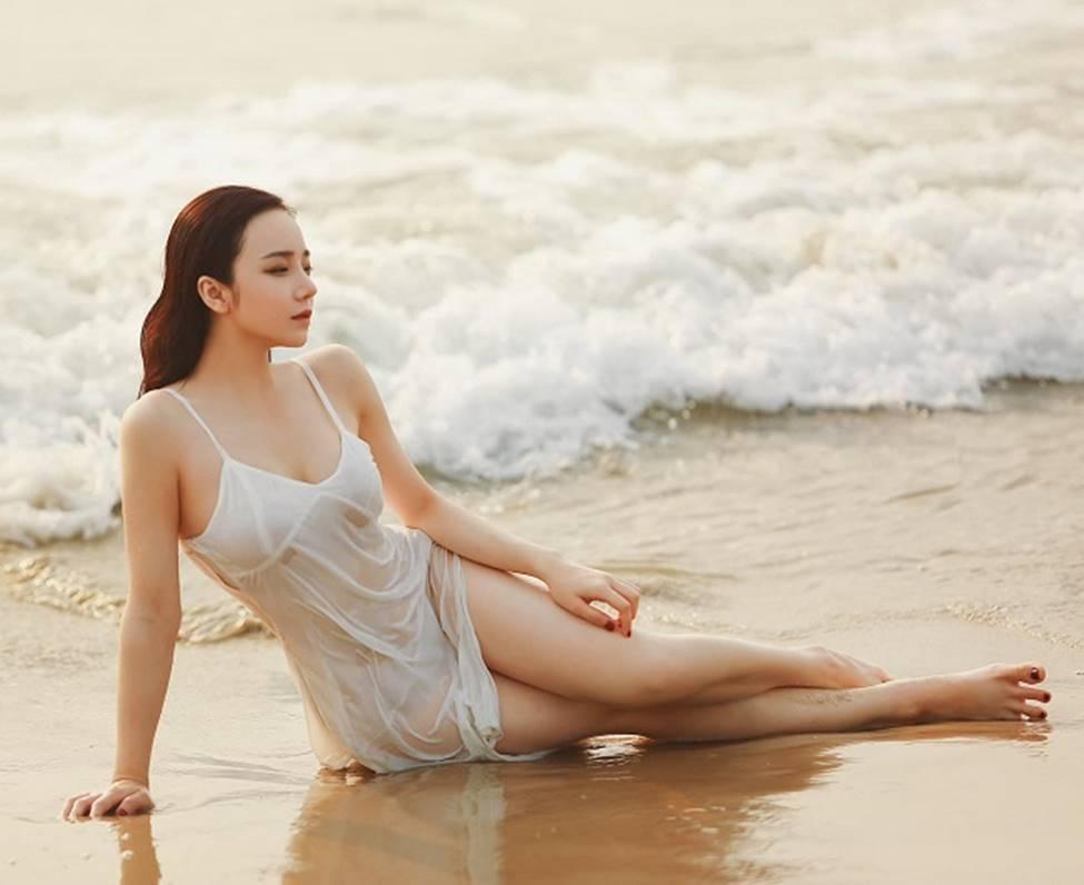 Ngân 98, hot girl Kem Xôi, Mì Gõ...mặc gợi cảm chào đón mùa hè-12