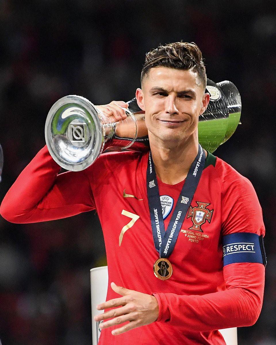 Biểu cảm hài hước của Ronaldo sau khi cùng đồng đội tuyển Bồ Đào Nha làm nên lịch sử ở UEFA Nations League-2