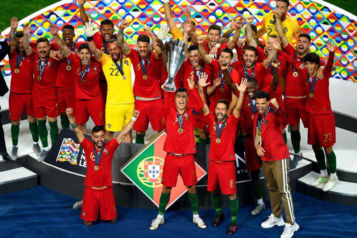 Biểu cảm hài hước của Ronaldo sau khi cùng đồng đội tuyển Bồ Đào Nha làm nên lịch sử ở UEFA Nations League-3
