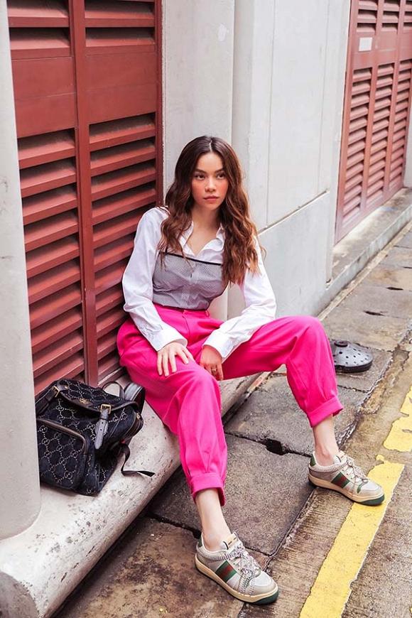 Hồ Ngọc Hà khoe street style trẻ trung trong chuyến công tác tại Singapore-1
