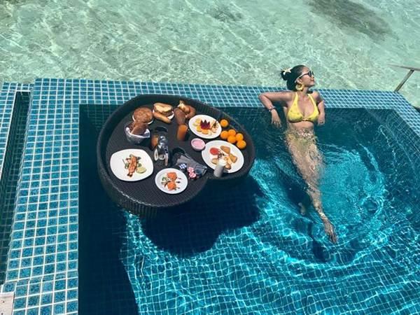 Ốc Thanh Vân mặc bikini tạo dáng yoga gây sốt-2