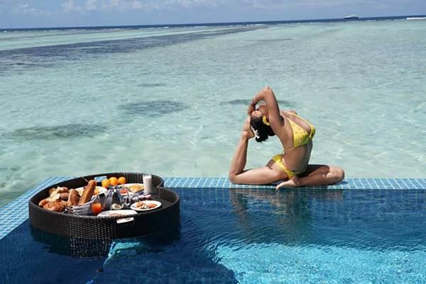 Ốc Thanh Vân mặc bikini tạo dáng yoga gây sốt-3