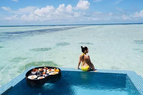 Ốc Thanh Vân mặc bikini tạo dáng yoga gây sốt-8