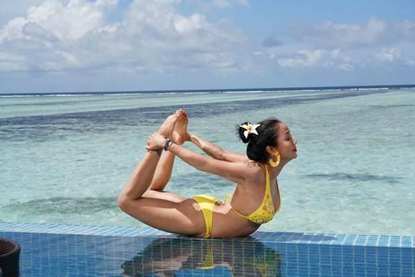 Ốc Thanh Vân mặc bikini tạo dáng yoga gây sốt-9