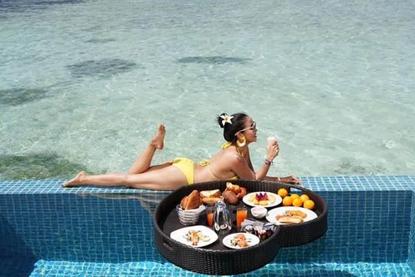 Ốc Thanh Vân mặc bikini tạo dáng yoga gây sốt-11