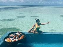 Ốc Thanh Vân mặc bikini tạo dáng yoga gây 'sốt'