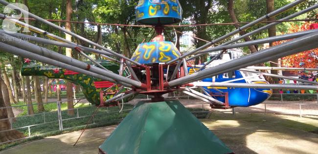 Hà Nội: Rơi máy bay mô hình trong công viên Linh Đàm, một cháu bé bị thương-4