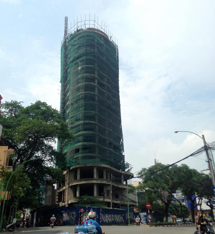 Tòa tháp ma hoang lạnh, ngàn tỷ đổ nát giữa Thủ đô-3