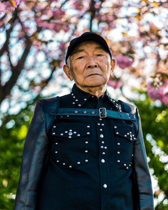 Cụ ông 84 tuổi trở thành ngôi sao thời trang siêu hot trên mạng xã hội-9