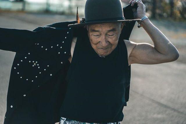 Cụ ông 84 tuổi trở thành ngôi sao thời trang siêu hot trên mạng xã hội-18