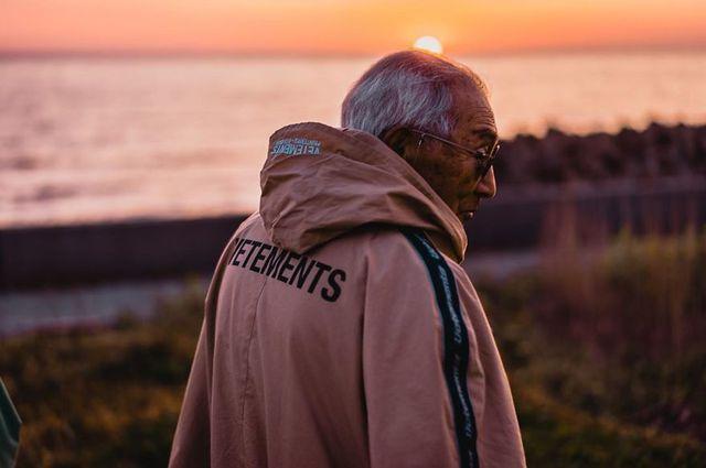 Cụ ông 84 tuổi trở thành ngôi sao thời trang siêu hot trên mạng xã hội-6