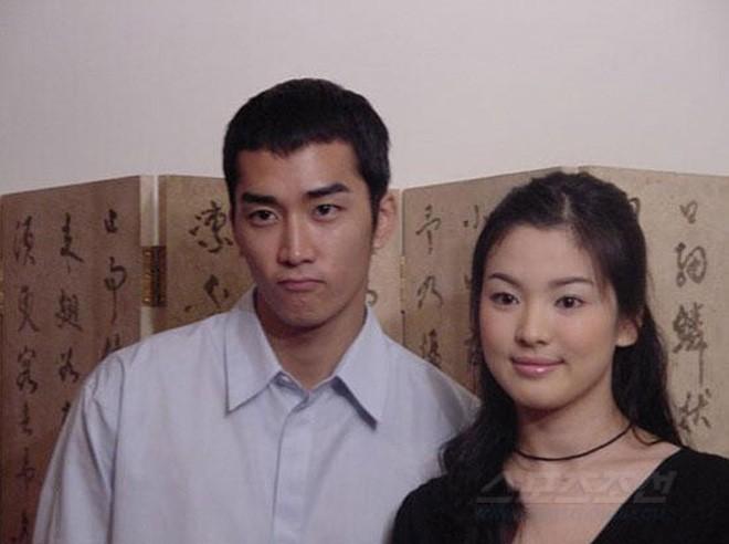 Song Hye Kyo xinh đẹp khiến Song Joong Ki tự hào vẫn có những khoảnh khắc kém xinh bất ngờ-3