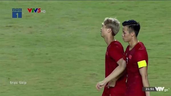 Sau pha sút hụt gây tranh cãi khiến Việt Nam về nhì ở Kings Cup, Công Phượng bất ngờ chia sẻ tâm trạng khiến nhiều fans xót xa-1