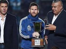 Messi bị chế nhạo khi giành cúp giao hữu cùng tuyển Argentina
