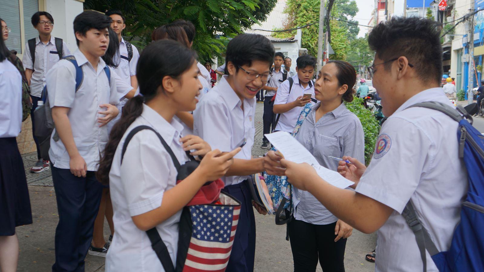Điểm chuẩn vào lớp 10 tại TP Hồ Chí Minh dự báo sẽ giảm-1