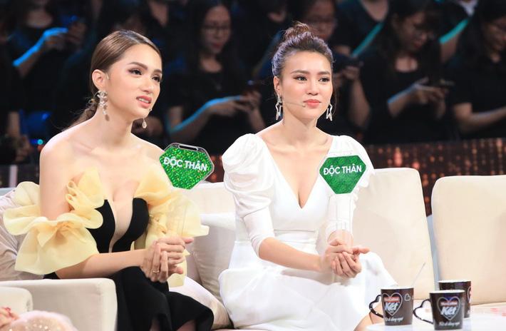 Một bộ đầm hai số phận: Đụng hàng với Angela Phương Trinh, HH Hương Giang mặc sai lè mà chẳng hề hay biết-2
