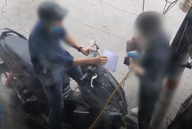 Đài SBS: Cò ở Hà Nội làm giả hồ sơ xin visa 5 năm đi Hàn Quốc-4