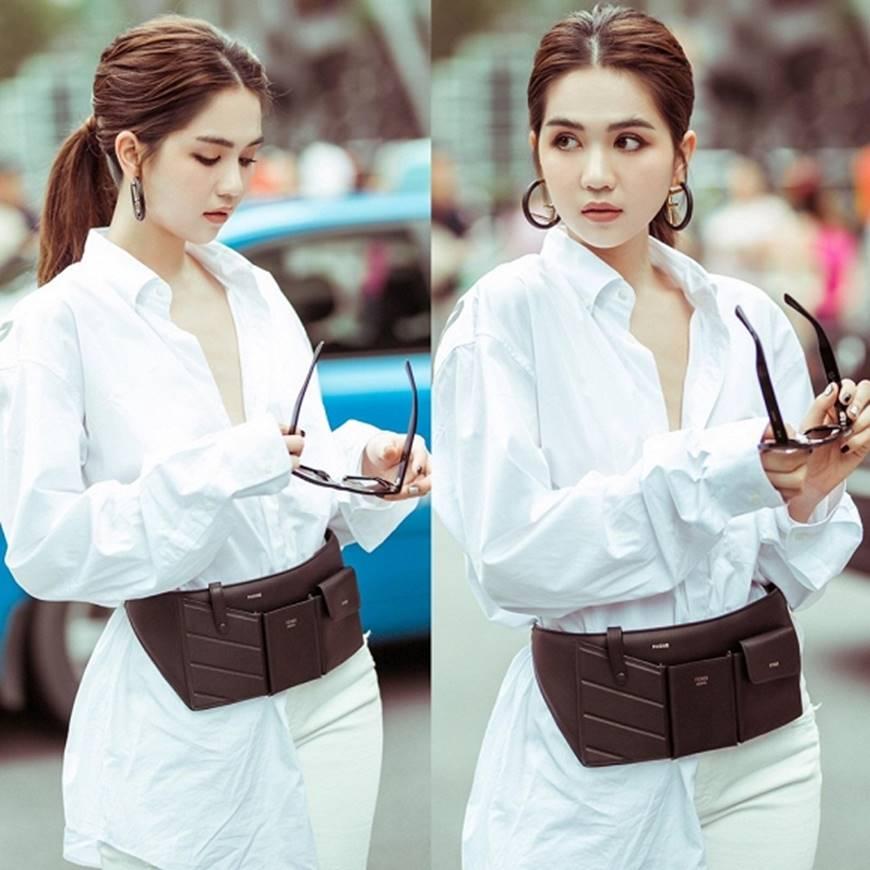 Ngọc Trinh lại diện áo bra khoe đường cong gợi cảm trên đường phố Singapore-10