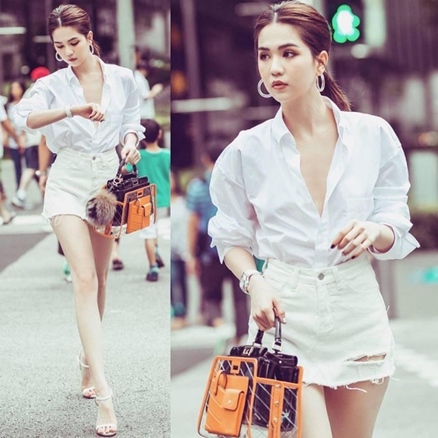 Ngọc Trinh lại diện áo bra khoe đường cong gợi cảm trên đường phố Singapore-12