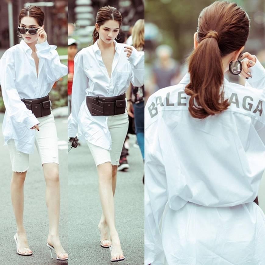 Ngọc Trinh lại diện áo bra khoe đường cong gợi cảm trên đường phố Singapore-13