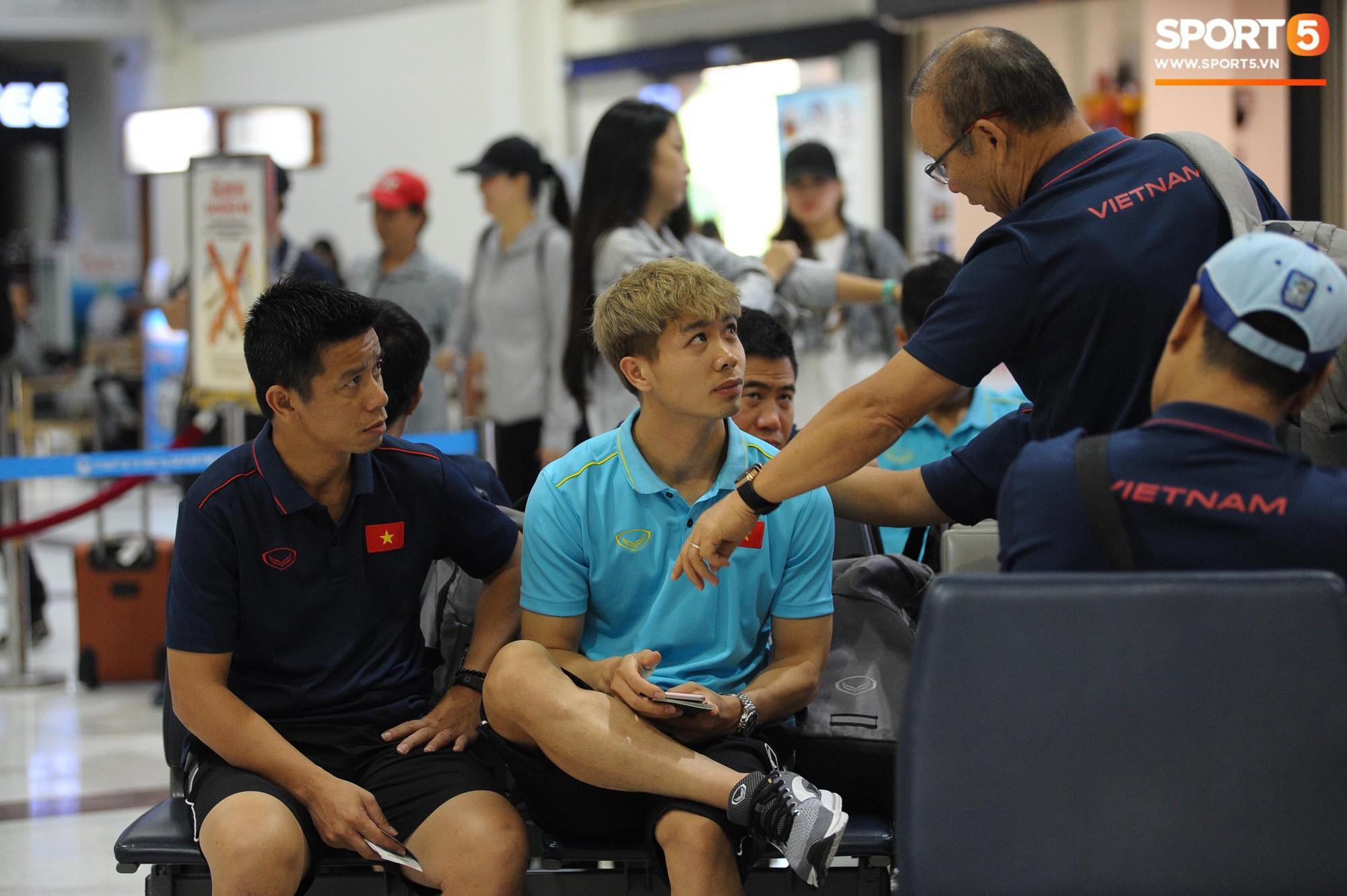 """Hậu King's Cup, HLV Park Hang Seo phải vào viện kiểm tra sức khoẻ nhưng vẫn ghi điểm"""" chỉ nhờ hành động nhỏ này!-2"""