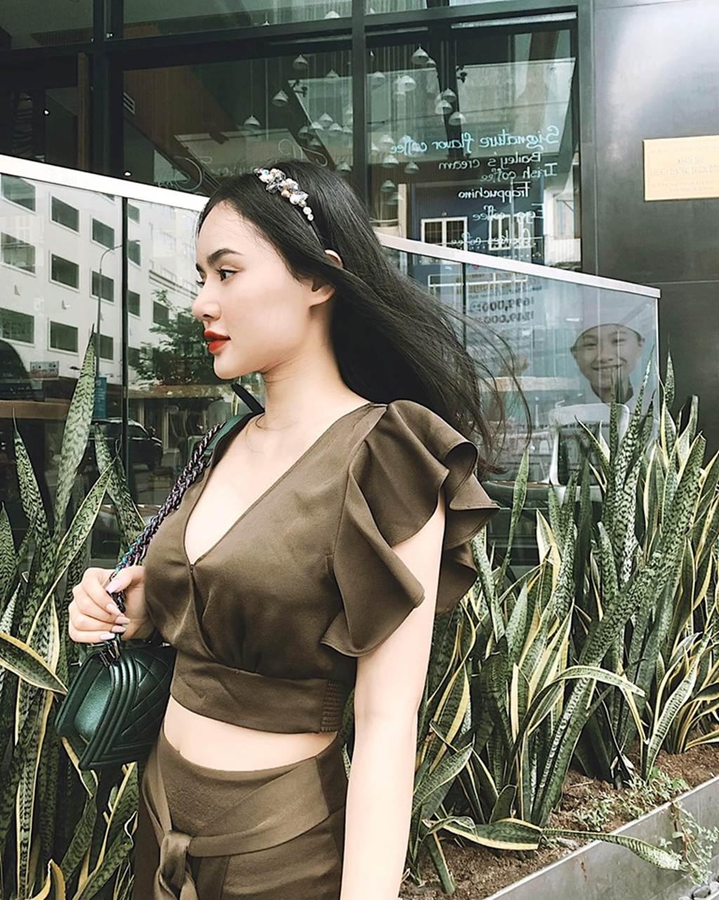 Angela Phương Trinh bị em gái vượt mặt vì vẻ ngoài xinh đẹp hút mắt-3