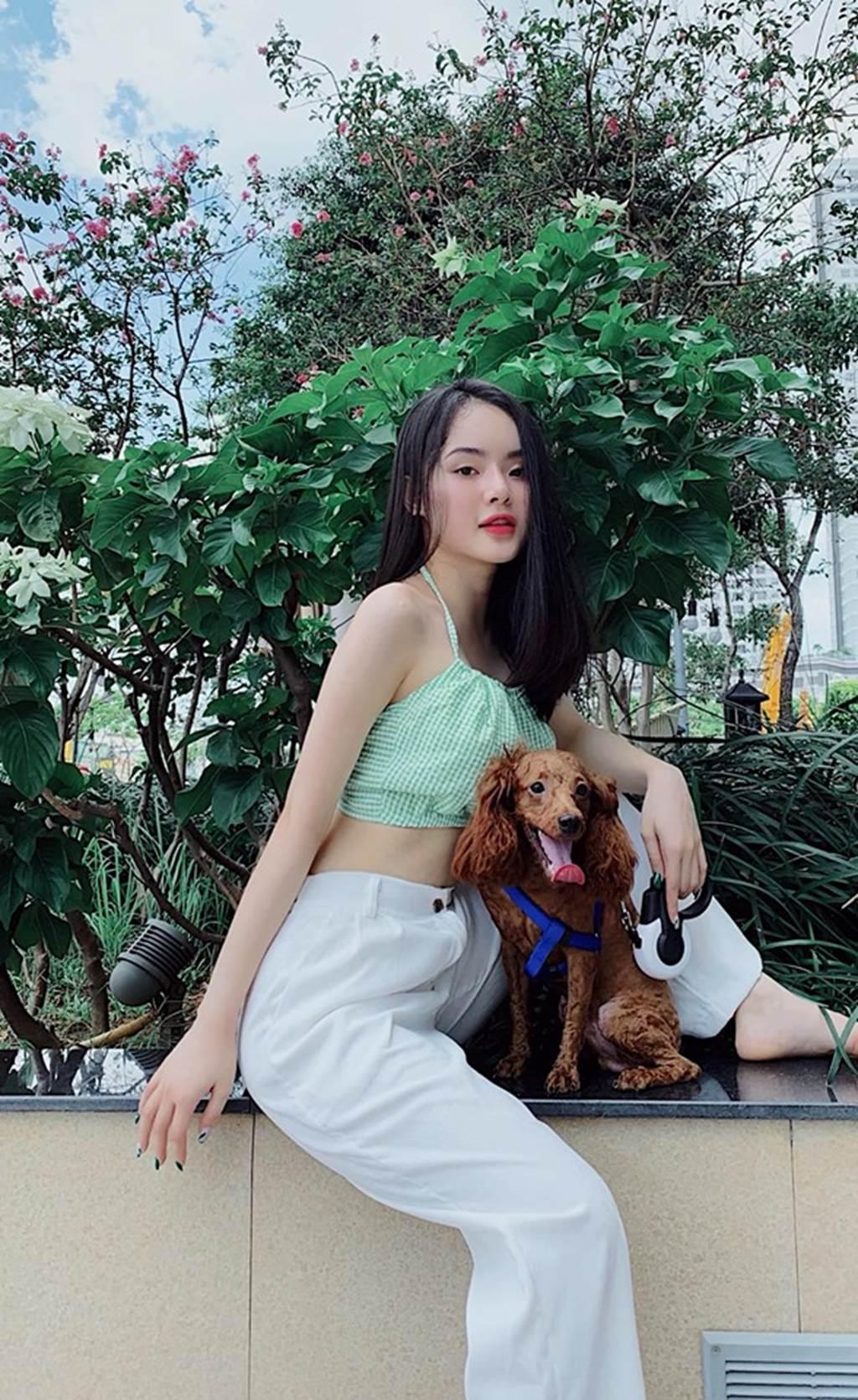 Angela Phương Trinh bị em gái vượt mặt vì vẻ ngoài xinh đẹp hút mắt-5
