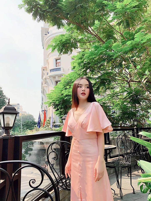Angela Phương Trinh bị em gái vượt mặt vì vẻ ngoài xinh đẹp hút mắt-7