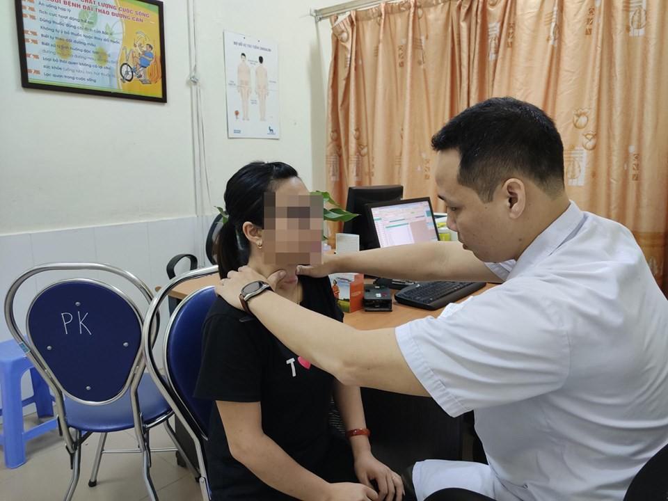 Tự chữa bệnh về tuyến giáp bằng phương pháp thầy lang, cô gái Hải Phòng bị nhiễm trùng nghiêm trọng vùng cổ-3