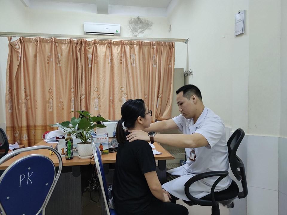 Tự chữa bệnh về tuyến giáp bằng phương pháp thầy lang, cô gái Hải Phòng bị nhiễm trùng nghiêm trọng vùng cổ-4