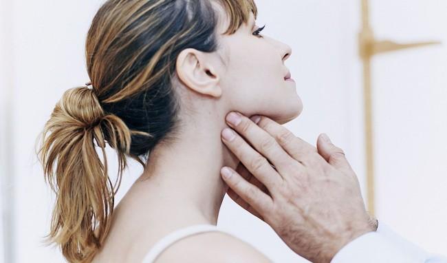 Tự chữa bệnh về tuyến giáp bằng phương pháp thầy lang, cô gái Hải Phòng bị nhiễm trùng nghiêm trọng vùng cổ-5