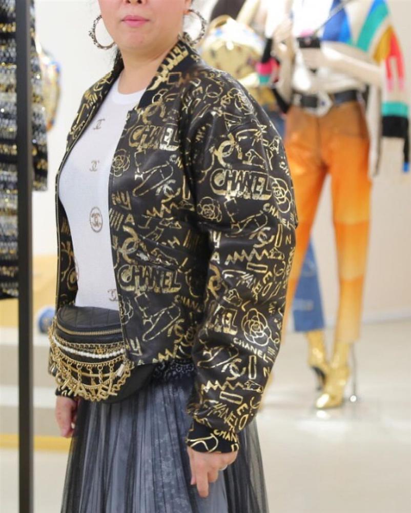 Phượng Chanel phản cảm và kém sang toàn tập vì lộ nội y dù diện cả cây hàng hiệu-3