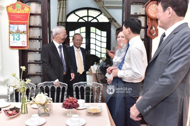 MC Phương Mai diện Áo dài đỏ, rạng rỡ trong lễ ăn hỏi với ông xã người Ba Lan-3