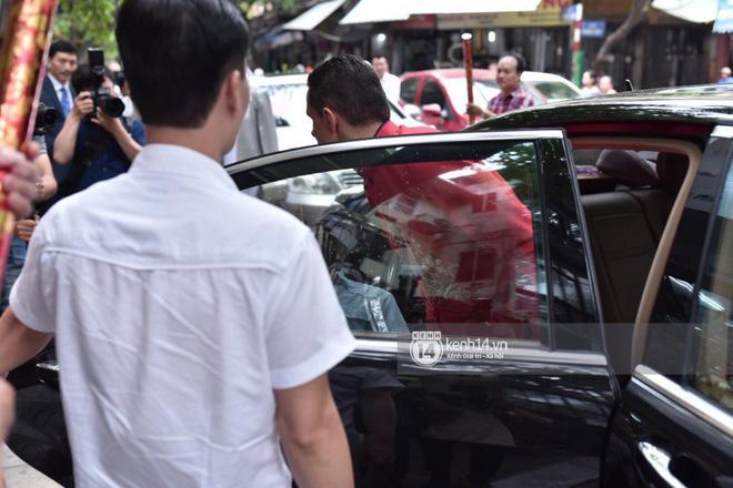 MC Phương Mai diện Áo dài đỏ, rạng rỡ trong lễ ăn hỏi với ông xã người Ba Lan-7